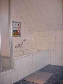 Das Badezimmer ( im Obergeschoss )